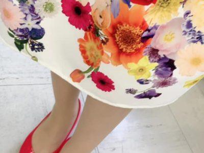 花向けに花柄スカート